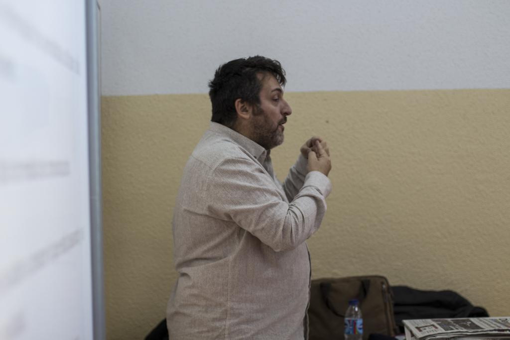 Paco-Nunez-Barral-hablando-de-las-Fake-News.jpg